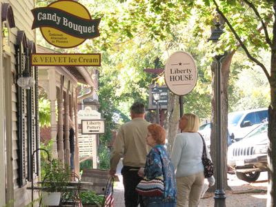 Charming Shops of Roscoe Village
